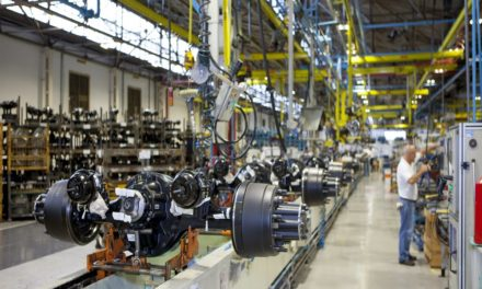 Nível de emprego nas autopeças cai 6,2% no trimestre