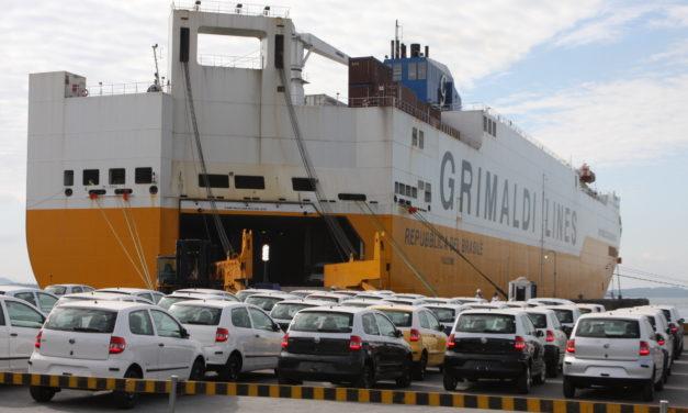 Exportações de veículos caem 42,6% no semestre