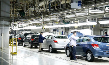 Montadoras deixam de produzir 80 mil veículos