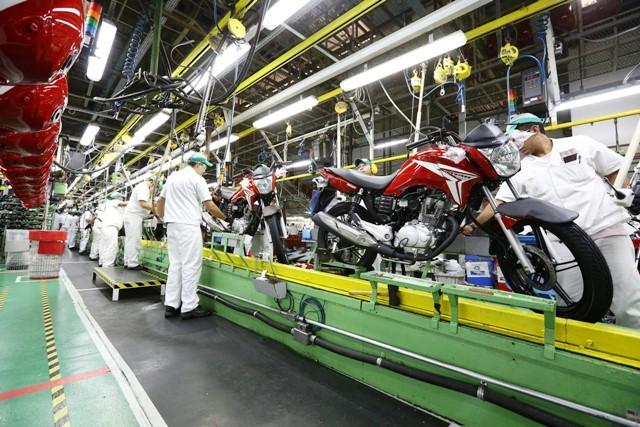 Produção de motos cresce, mas exportações despencam