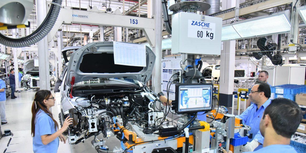 Volkswagen adia retorno das fábricas paulistas para o dia 25