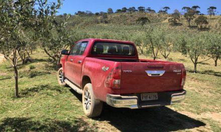 Motor, robustez e reputação põem Toyota Hilux no topo