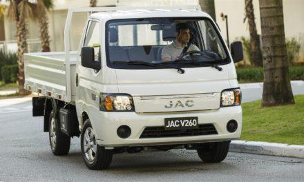 V260 é a segunda aposta da JAC em caminhões leves