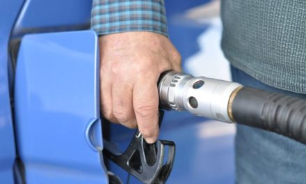 CCJ aprova projeto que proíbe carro a gasolina no Brasil em 2030