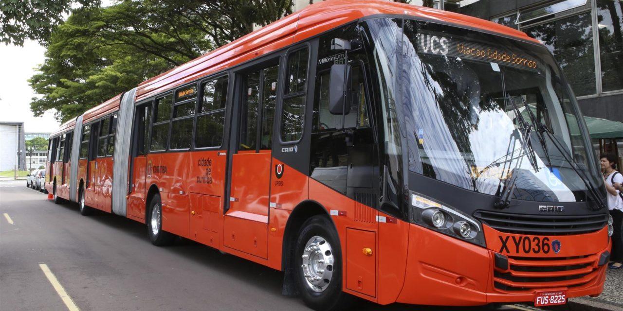 Scania revela biarticulado para Curitiba