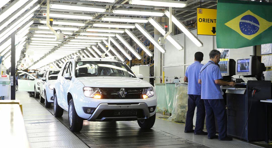 Sem consenso com sindicato, Renault dispensa 747 funcionários