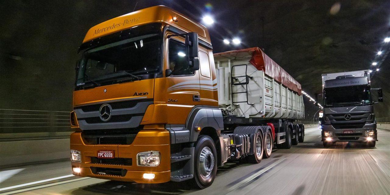 Mercedes-Benz desponta na liderança