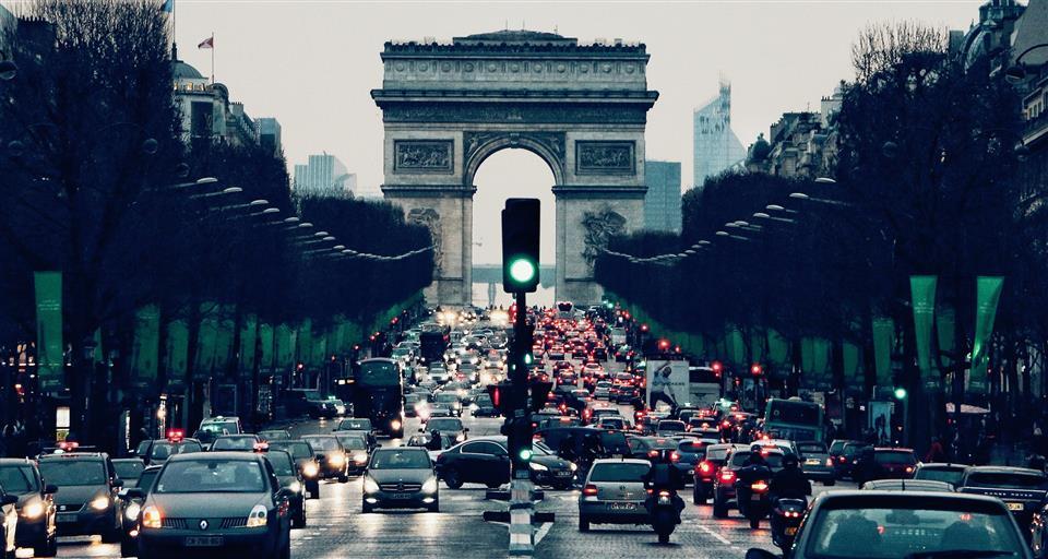 Venda de automóveis na Europa contrai 57% em maio