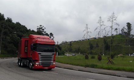 A bordo do caminhão mais vendido do País