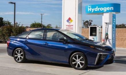 Toyota quer vender 5,5 milhões de veículos eletrificados até 2030