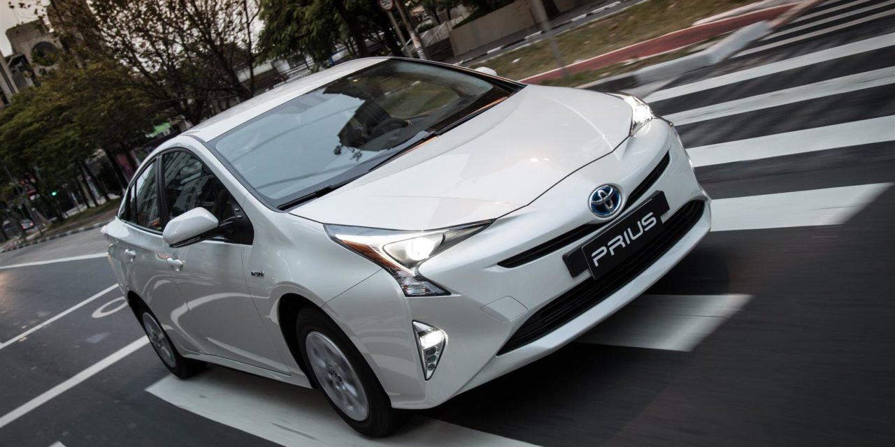 Vendas de veículos híbridos-elétricos triplicam no País