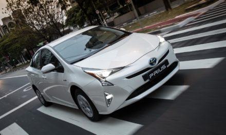 Toyota convoca Prius para reparo no sistema híbrido