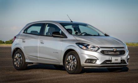 GM lança Onix automático mais em conta