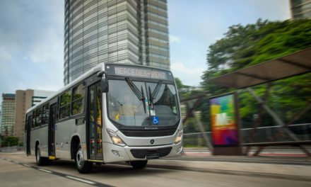Mercedes-Benz  comemora 500 ônibus vendidos em janeiro