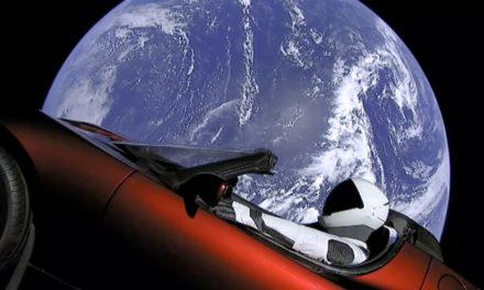 O carro foi para o espaço