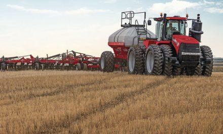 Venda de máquinas agrícolas e de construção desacelera em abril