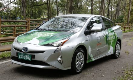 Toyota testa Prius híbrido com etanol