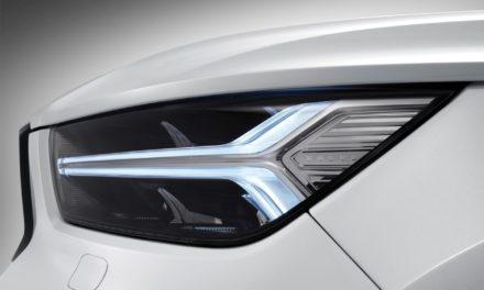 Volvo XC40 olha para a ponta