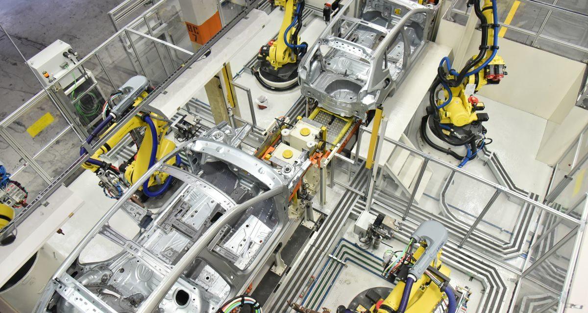 Produção de veículos cresce 40% em abril
