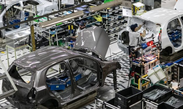 Toyota suspende terceiro turno e reduz quadro de funcionários