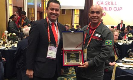 Brasileiro conquista prêmio mundial da Kia Motors
