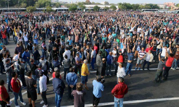 Mercedes-Benz concede aumento real e termina a greve no ABC