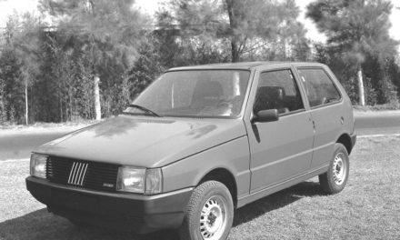 Fiat Uno completa 35 anos de Brasil