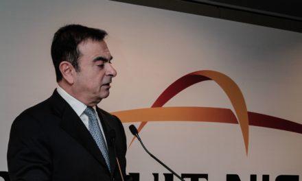 Carlos Ghosn é solto sob fiança de R$ 33,8 milhões