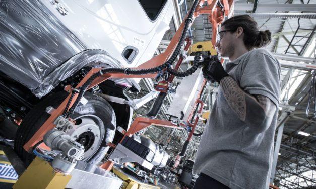 Veículos comerciais preservam alta na produção do trimestre