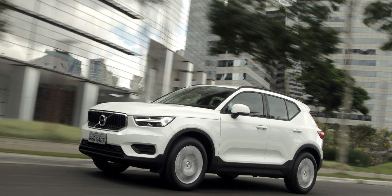 Volvo Cars lança a versão T4 do XC40