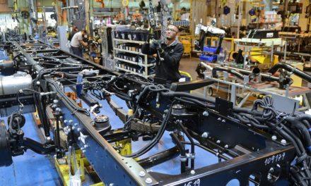 Mercedes-Benz exporta 500 ônibus para a Nigéria