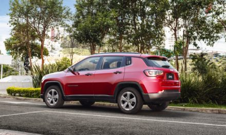 Jeep convoca recall de 88,8 mil Compass Flex