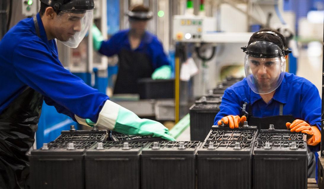 Moura inaugura sua maior fábrica