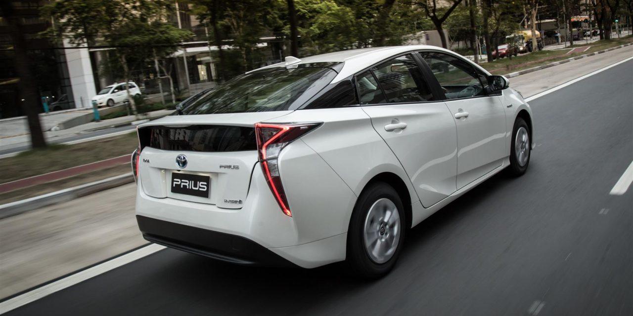 Locadoras apostam nos automóveis híbridos e elétricos