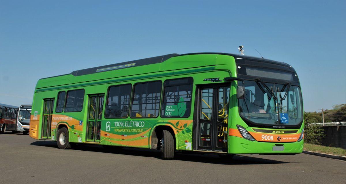 BYD entrega ônibus elétricos em Bauru