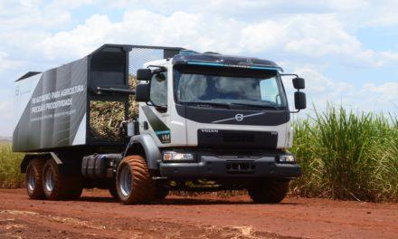 Volvo faz a primeira entrega comercial de caminhões autônomos