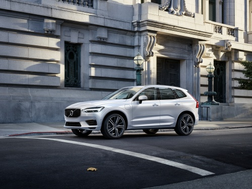 Volvo inicia pré-venda do modelo híbrido XC60 T8
