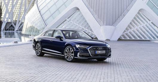 Audi A8 ostenta tecnologia e conforto