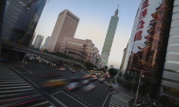 Venda de automóveis na China sofre a maior queda em sete anos