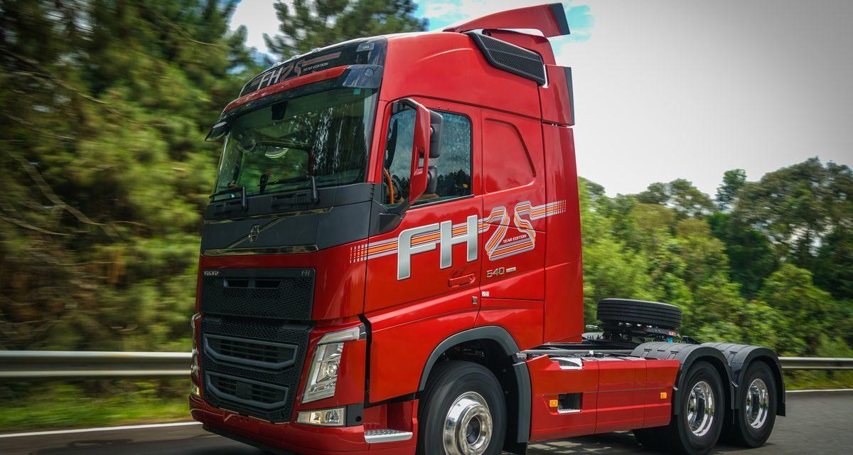 Volvo FH ganha versão especial de 25 anos
