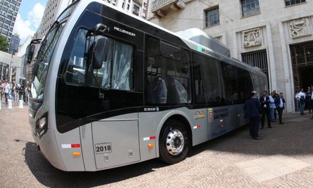 Ônibus elétricos BYD começam a rodar em São Paulo