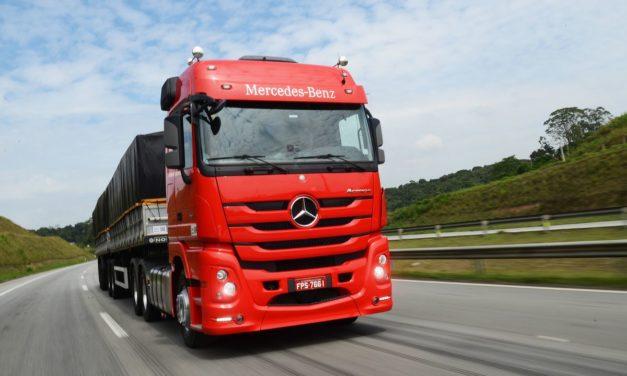 Mercedes-Benz domina venda de pesados no quadrimestre
