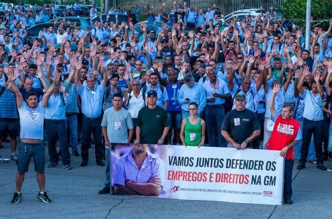 Trabalhadores da GM fazem novos protestos contra retirada de direitos