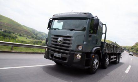 VWCO amplia linha de caminhões 8×2