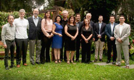 Moura faz parceria para produzir ônibus elétrico no Brasil