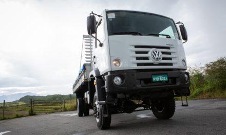 VWCO amplia oferta de caminhões médios com versão 4×4