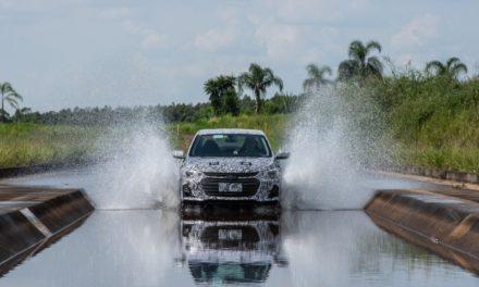 Novo sedã da GM terá motor turbo
