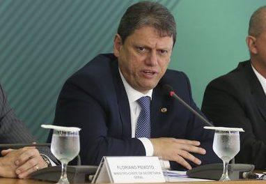 Governo promete R$ 500 milhões para caminhoneiros autônomos