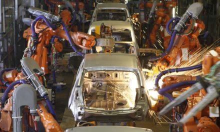 Produção de veículos fica estável no trimestre