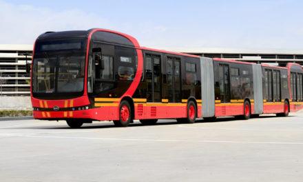 BYD apresenta biarticulado elétrico para 250 passageiros